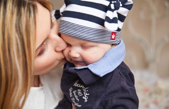 איך הורים מדביקים את הילד בעששת?